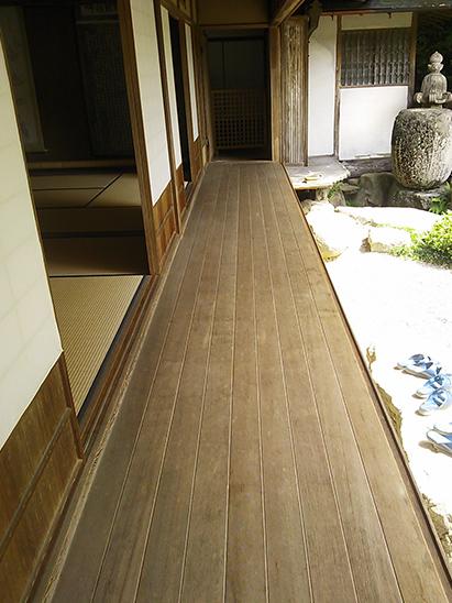 縁側の床板